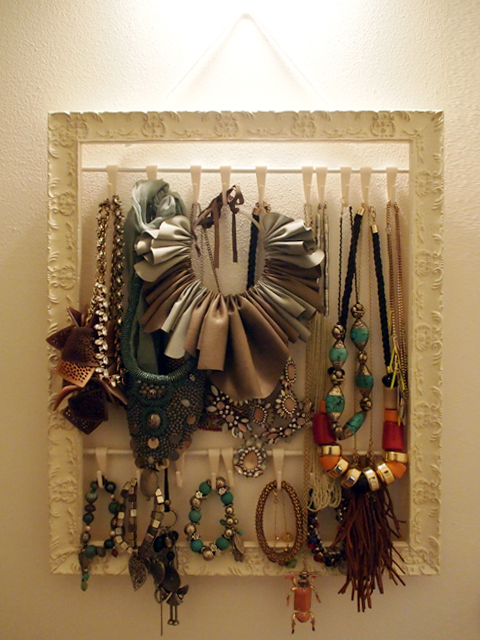 La cornice porta bijoux verdementa - Porta collane fai da te ...