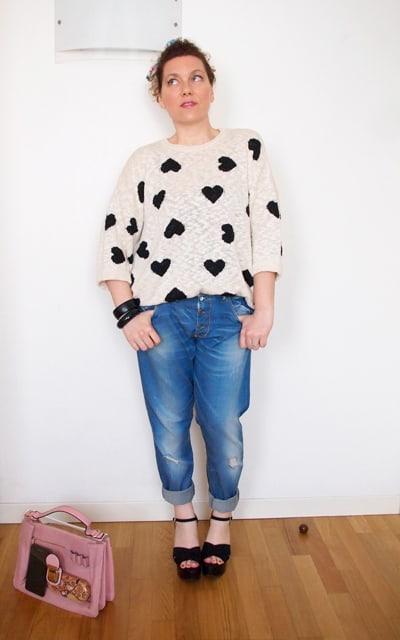 maglia zara, maglia cuori Zara, outfit, casual friday, outfit verdementa, curvy outfit, outfit taglia 46, borsa trasparente, boyfriend jeans