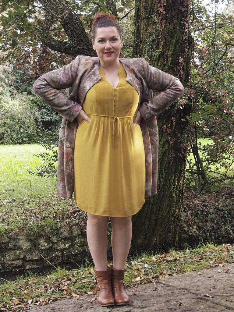 VerdementaBlog_outfit-curvy-cappottino fiori-Elena-Miro-abito-H&M-giallo-senape-taglia48