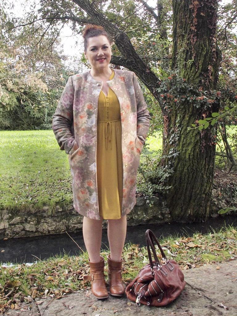 VerdementaBlog_outfit-curvy-cappottino fiori-Elena-Miro-curvy-blogger-italiana