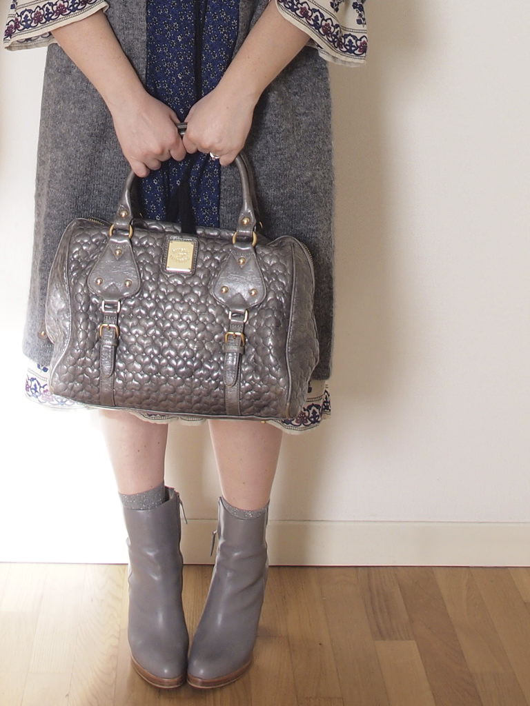 VerdementaBlog_outfit_curvy_abito-fiori-Zara-borsa-Blumarine