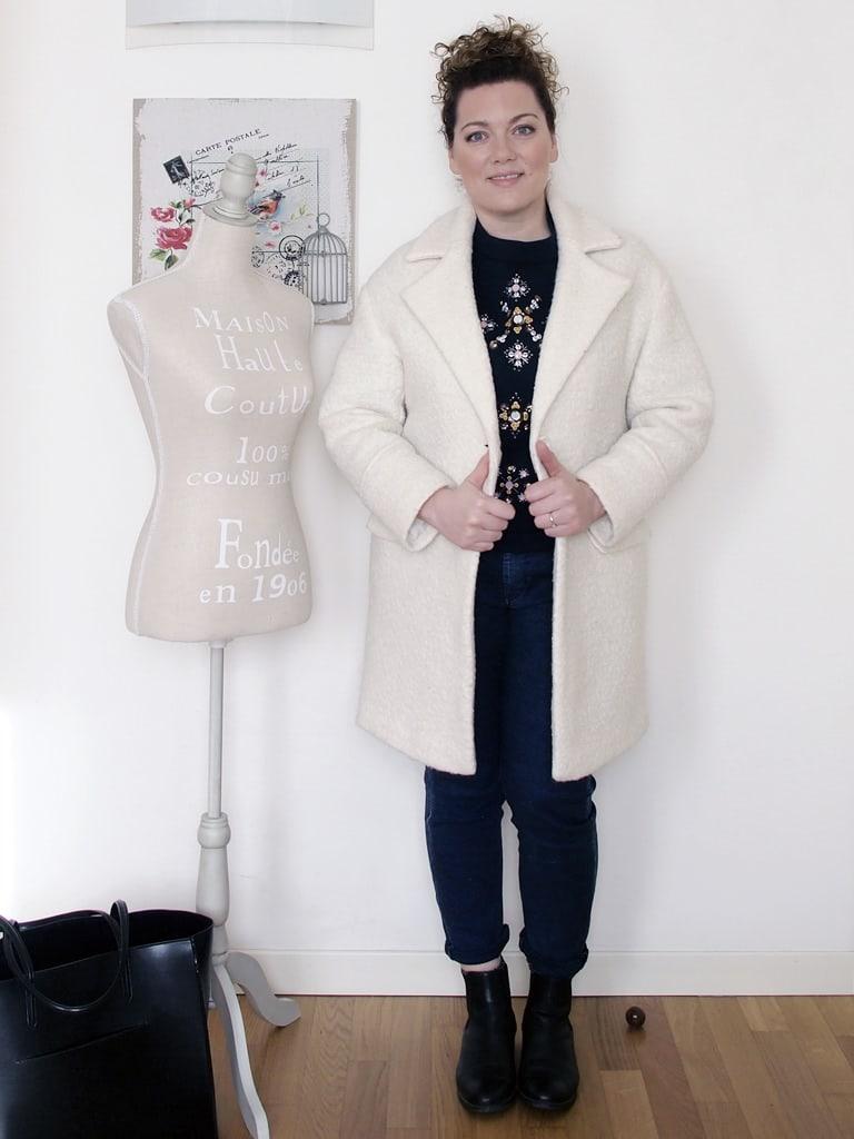 outfit-curvy-maglia-scuba-ricamata-H&M-cappotto-bianco-Pimkie-5