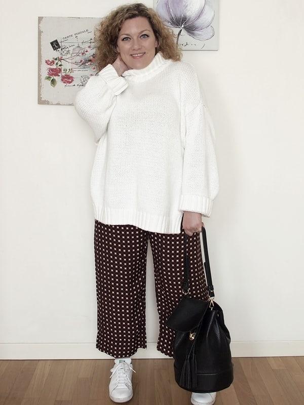 VerdementaBlog_outfit-curvy-maglione oversize bianco pantaloni zara-3