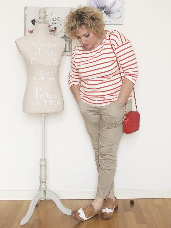 Verdementa-Fashion-blog-outfit-curvy-taglia48-casual-pantaloni-chinos-maglia-righe-1