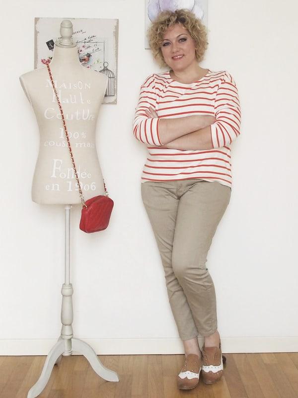 Verdementa-Fashion-blog-outfit-curvy-taglia48-casual-pantaloni-chinos-maglia-righe-4