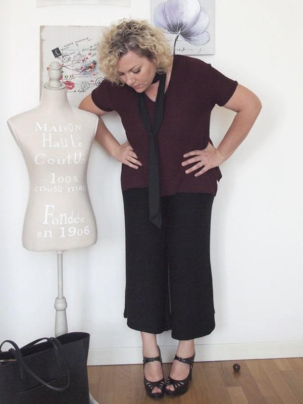 outfit curvy taglia 46-48 con pantaloni culotte di Zara e sciarpa sottile stile anni '70