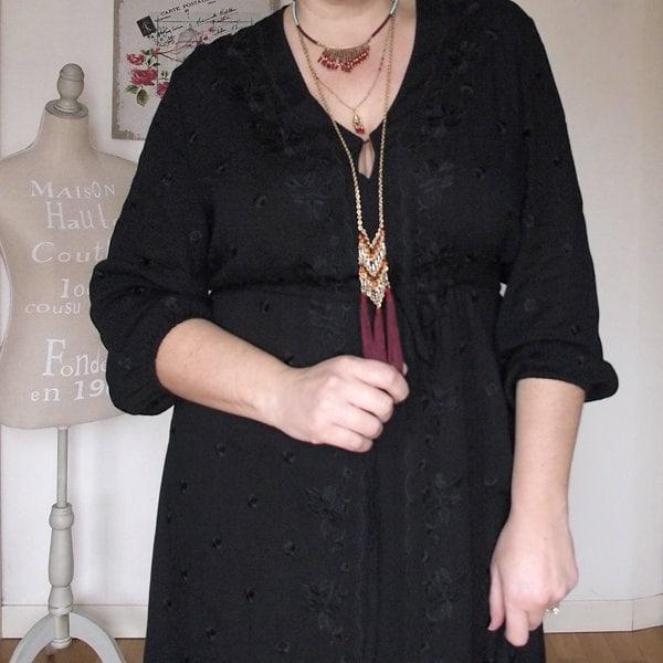 outfit curvy con abito nero lungo in stile boho di OVS Curvyglam