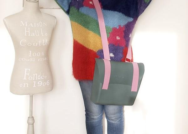 outfit curvy taglia 46 con maglione vintage Enrico Coveri e borsa-zaino Mix Match di MH Way