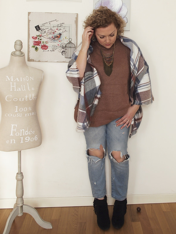 outfit curvy casual-country con collana boho tribale di Happiness Boutique
