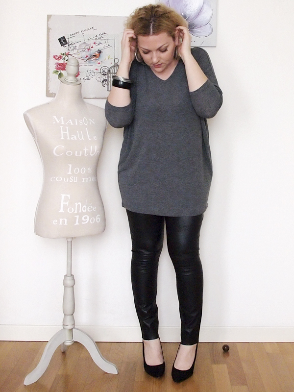 outfit curvy con pantaloni in pelle ,6