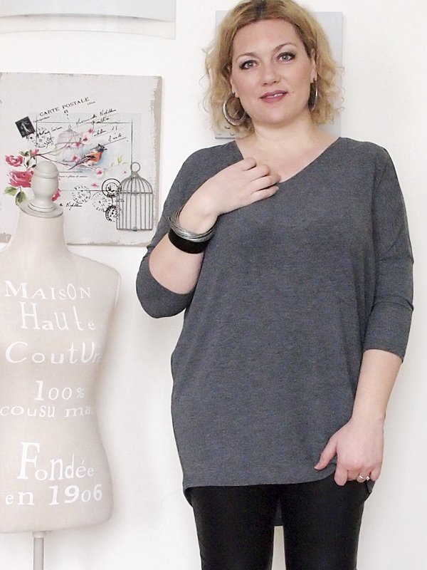 outfit curvy con pantaloni in pelle -8