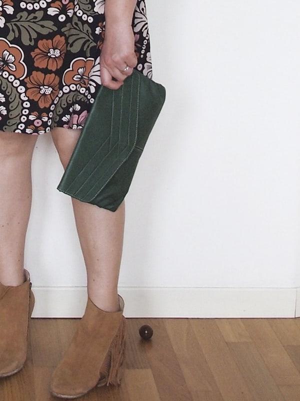 outfit-curvy-abito-fiori-tronchetti_05