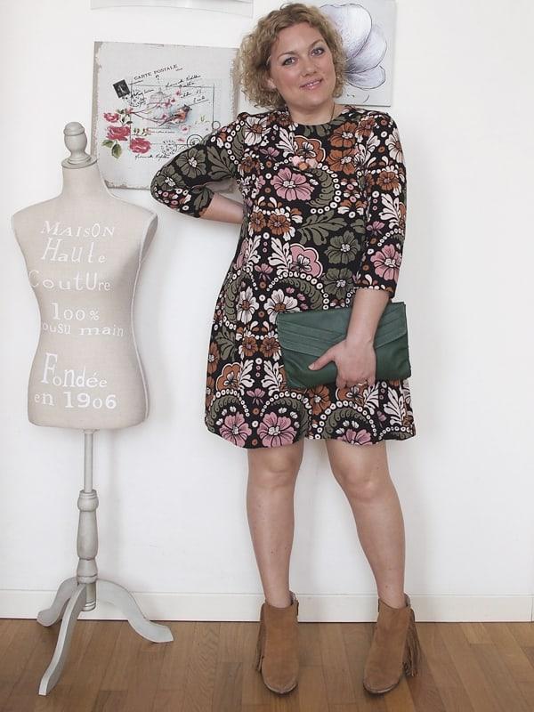 outfit-curvy-abito-fiori-tronchetti_07