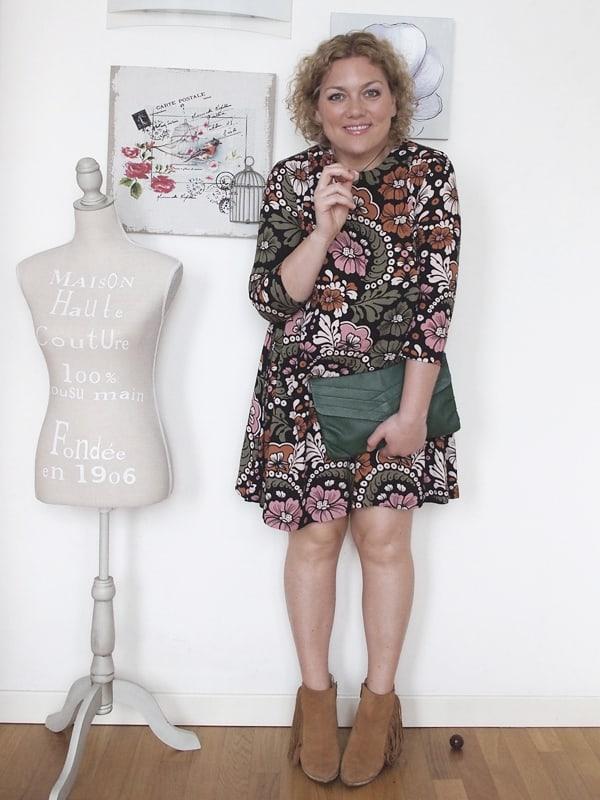 outfit-curvy-abito-fiori-tronchetti_10
