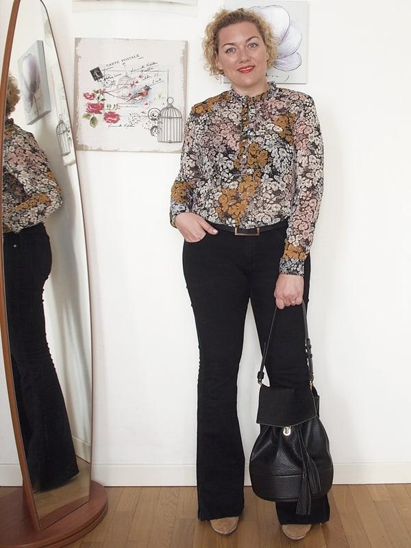 outfit-curvy-pantaloni-zampa-01