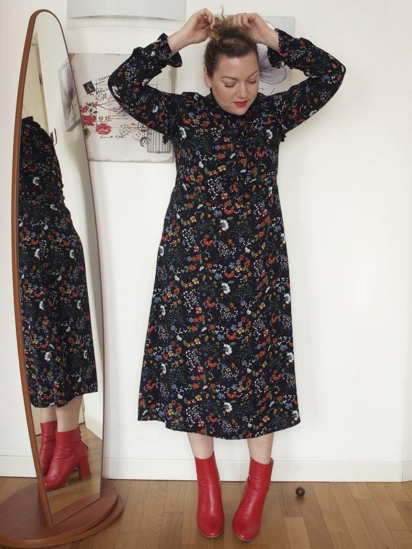 low priced 0c084 61dc4 Stivaletti rossi e un abito a fiori   Verdementa Blog Curvy